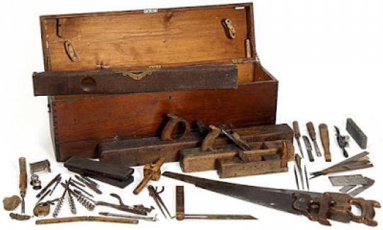 1e581298e24_800px_Minnesota_State_Capitol_Woodworkers_Toolbox_Historical_Society.jpg